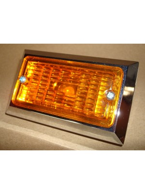 A-13361 Amber Turn Signal Light- Fits In Between Bumper Bars- 6 Volt